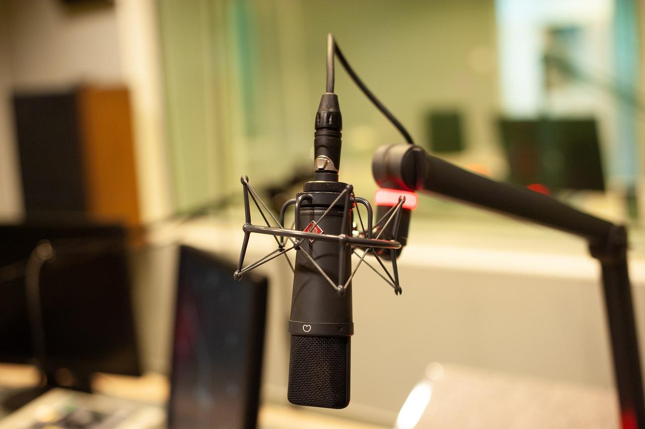 microphone, radio, mic-4320921.jpg